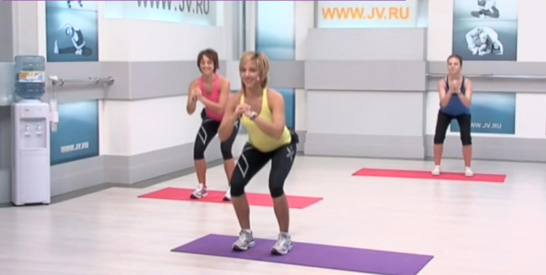 Флексислим: Приседаем, разминаем мышцы ног
