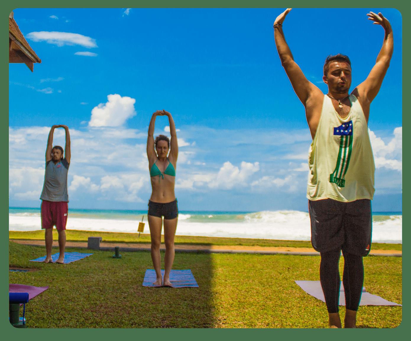 Утренняя пробежка, послеобеденное занятие и вечерняя расслабляющая йога